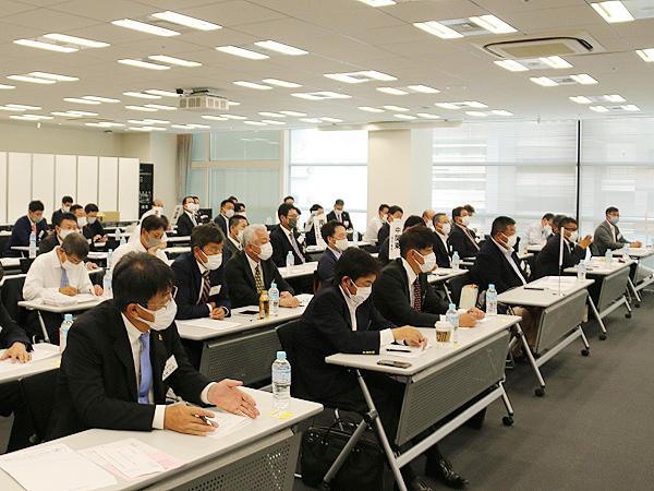 社員総会には62名の理事代議員が出席